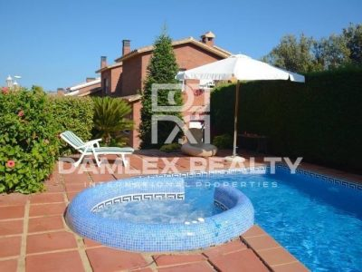 4 bedroom Villa for sale in Alella