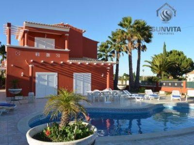 4 habitaciones Casa adosada en venta en Lagoa