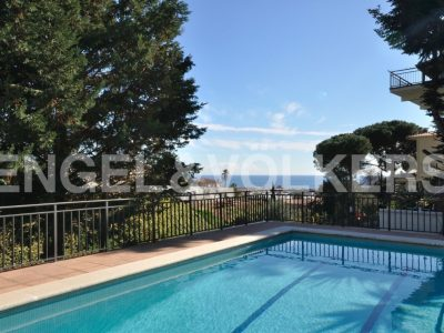 7 bedroom Villa for sale in Cabrils