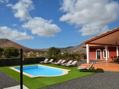 4 bedroom Villa for sale in Tetir