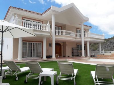 7 bedroom Villa for sale in Adeje