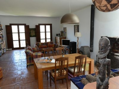 Very spacious townhouse of outstanding quality in the centre of one of the most beautiful villages o,Spain
