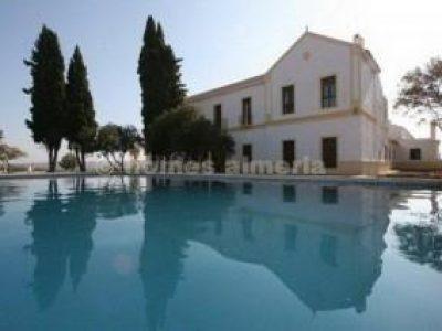20 habitacions Casa al camp per vendre en Granada