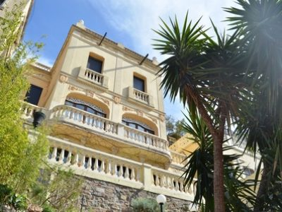 14 bedroom Town house for sale in Barcelona