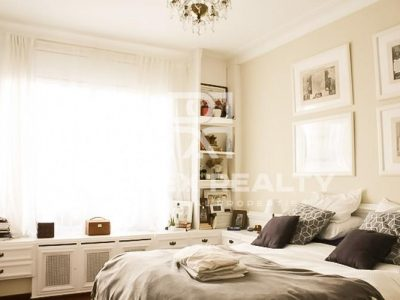 4 bedroom Apartment for sale in Barcelona