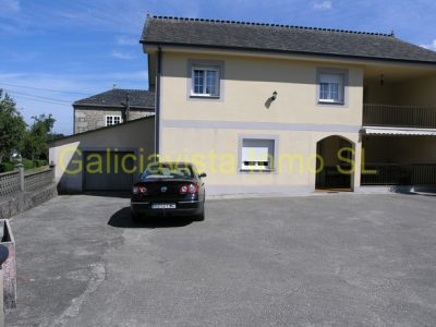 6 bedroom Country house for sale in Friol