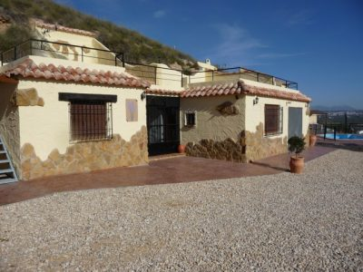 8 bedroom Cave house for sale in Fontanar