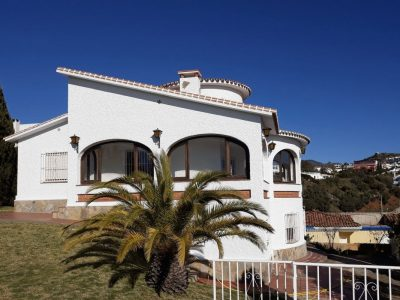 3 bedroom Villa for sale in Moclinejo