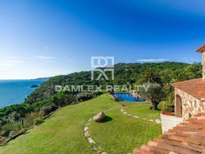 9 bedroom Villa for sale in Sant Feliu De Guixols