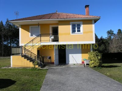 4 bedroom Country house for sale in Friol