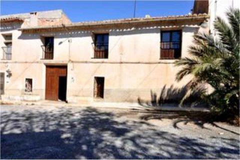 7 habitacions Casa al camp per llogar en Pinoso