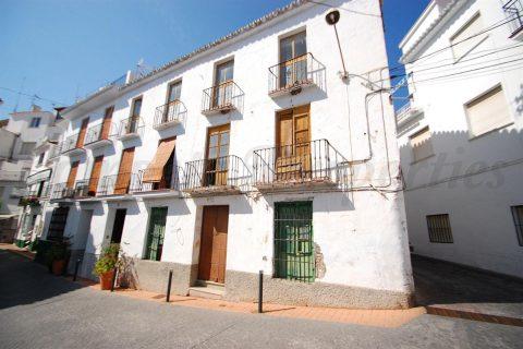 10 habitacions Casa en ciutat per vendre en Torrox