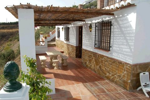 3 bedroom Cortijo to rent in Frigiliana