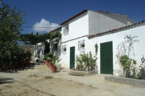 3 bedroom Country house for sale in Uleila Del Campo