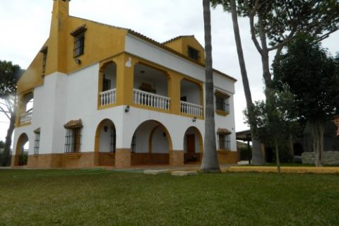 7 bedroom Finca for sale in Chiclana De La Frontera