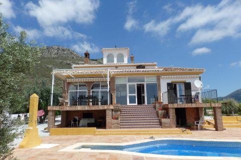 4 habitacions Casa al camp per vendre en Alcaucin