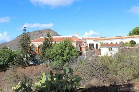 3 bedroom Villa for sale in Arona