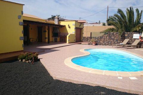 2 bedroom Villa for sale in Lajares