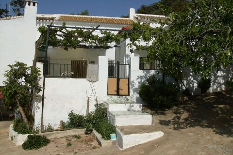 6 bedroom Country house for sale in Iznajar