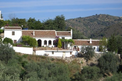 6 bedroom Country house for sale in Comares