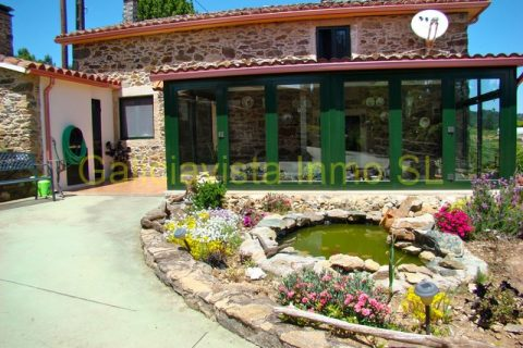 3 bedroom Country house for sale in Vila De Cruces