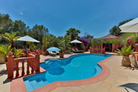 11 bedroom Villa for sale in Sant Josep de sa Talaia