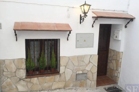 1 habitació Casa en ciutat per vendre en Sedella
