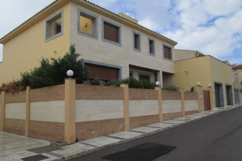 7 bedroom Town house for sale in Olula Del Rio