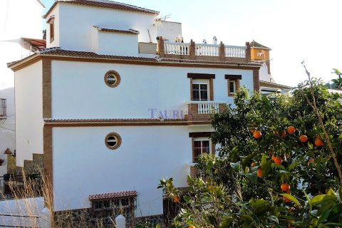 3 habitacions Casa en ciutat per vendre en Archez