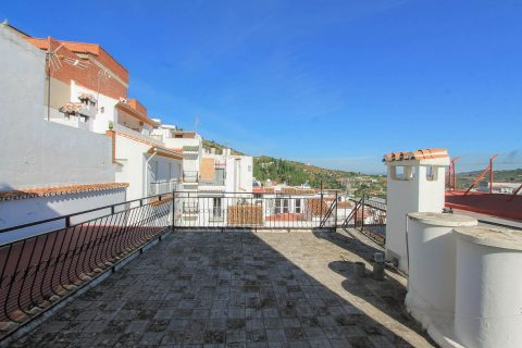 5 habitacions Casa en ciutat per vendre en Tolox