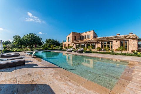 4 bedroom Villa for sale in Llucmajor