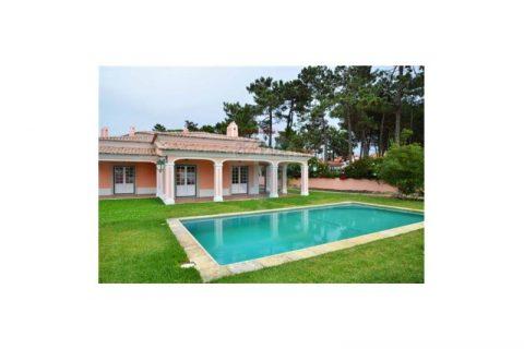 6 soverum Villa til salg i Almocageme