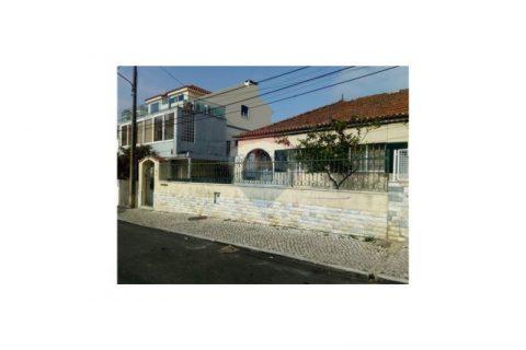 2 bedroom Villa for sale in Laranjeiro