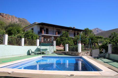 6 slaapkamers Landhuis te koop in Alcaucin