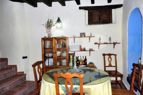 3 bedroom Village house for sale in Salares