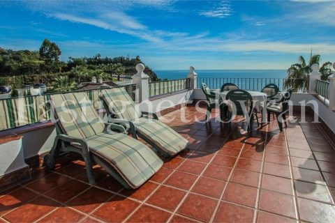 4 bedroom Apartment for sale in Torrox