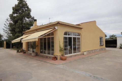 4 bedroom Country house for sale in Pinoso