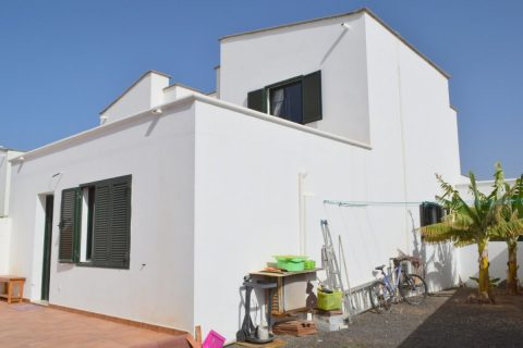 3 bedroom Duplex for sale in Playa Blanca (Yaiza)