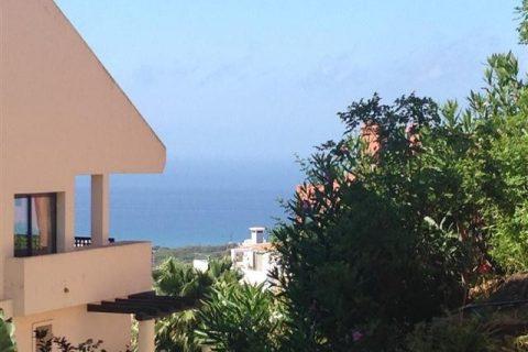 3 habitacions Apartament per vendre en Calahonda