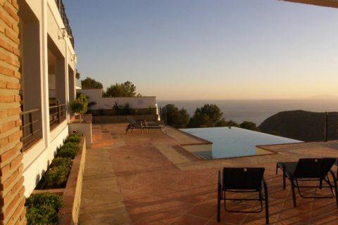 5 bedroom Villa for sale in Almunecar