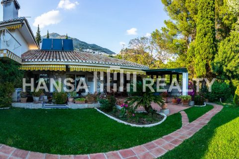 12 bedroom Finca for sale in Mijas