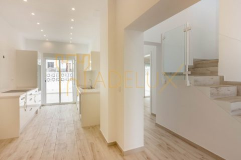 3 bedroom Town house for sale in Armenime
