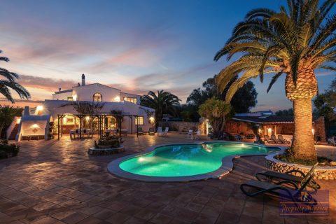 12 bedroom Villa for sale in Es Castell