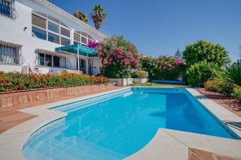 8 habitacions Masia per vendre en Estepona