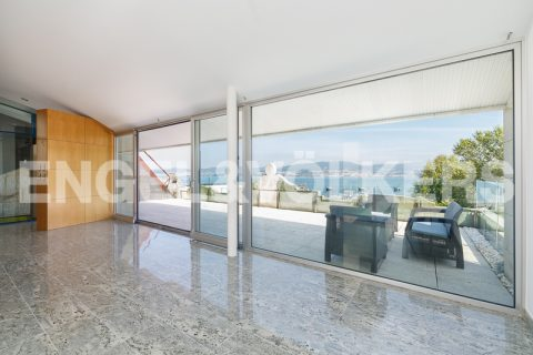 3 bedroom Apartment for sale in Vigo