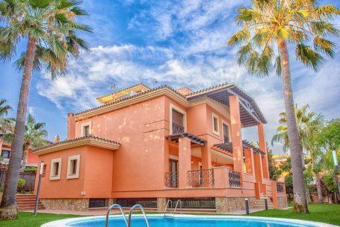 5 habitacions Masia per vendre en Las Chapas