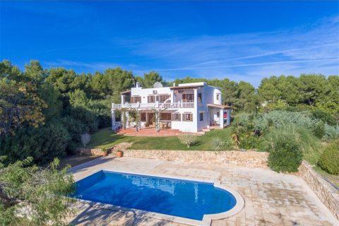 5 bedroom Villa for sale in San Carlos De Peralta