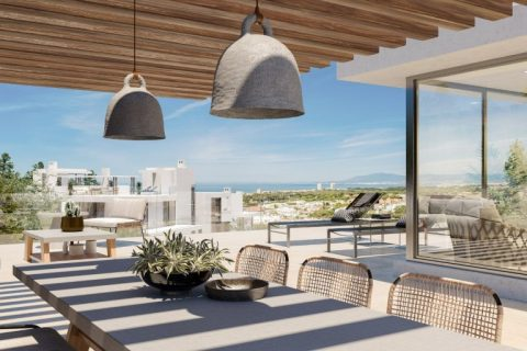3 bedroom Apartment for sale in Puerto Cabopino